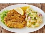7.  Vyprážaný  kurací  rezeň, varené zemiaky,  kyslé uhorky   ( 130/250/30 )g – 1,3,7