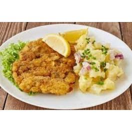 6. Vyprážaný kurací rezeň, varené zemiaky, kyslé uhorky  ( 130g/250g/30g ) – 1,3,7