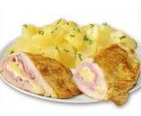 8. Cordon bleu – kuracie prsia plnené šunkou  a syrom, varené zemiaky    (130/250)g – 1,3,7